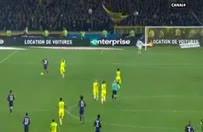 Nantes - PSG maçının hakemi Tony Chaprondan olay hareket